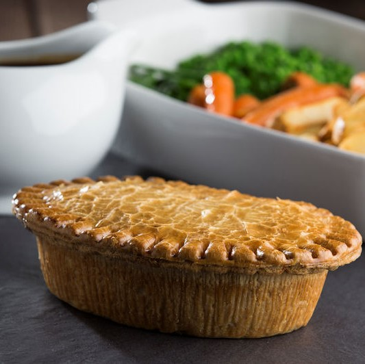 Family Chicken & Ham Pie - Farmers Fayre