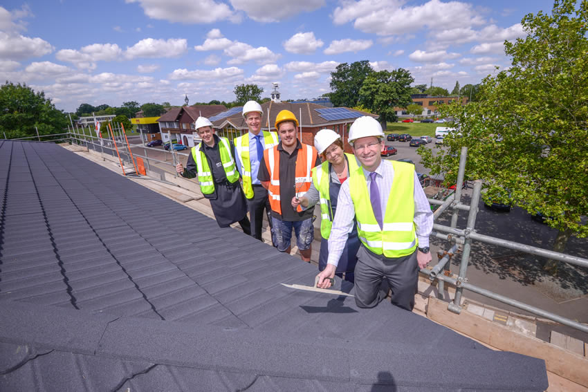 Farmers Fayre Topping Out